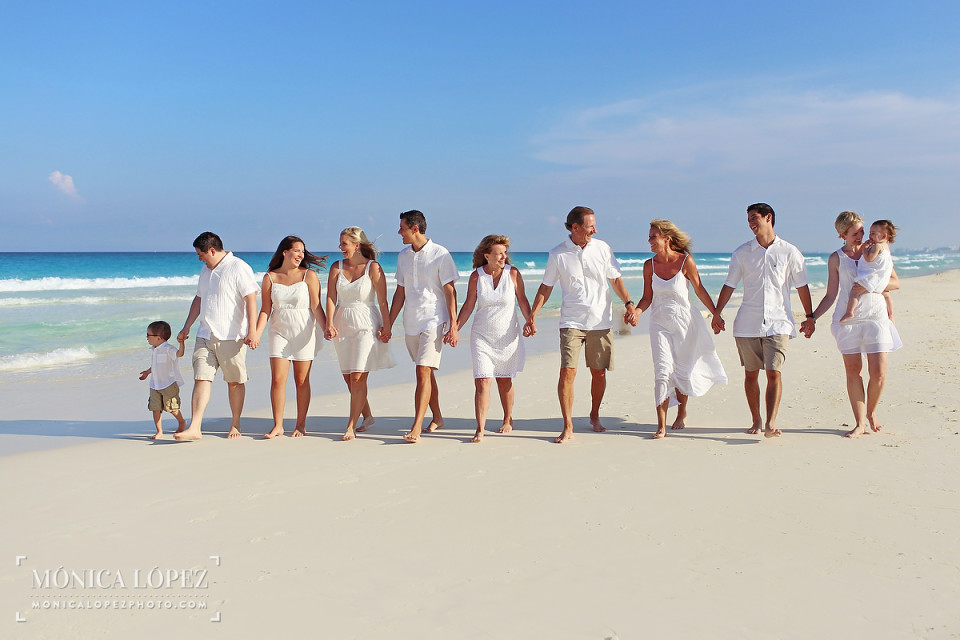 Cancun Family Portrais at Westin Lagunamar