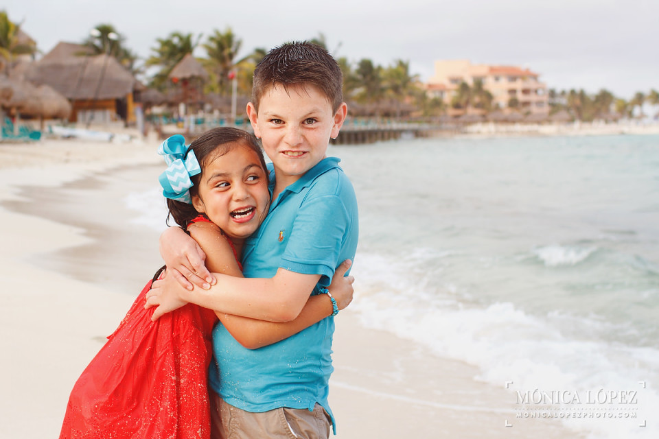 Dreams Puerto Aventuras Family Portraits