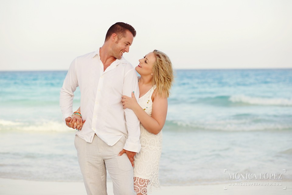 Cancun Romantic Portraits in ME Cancun - Diana + Zach