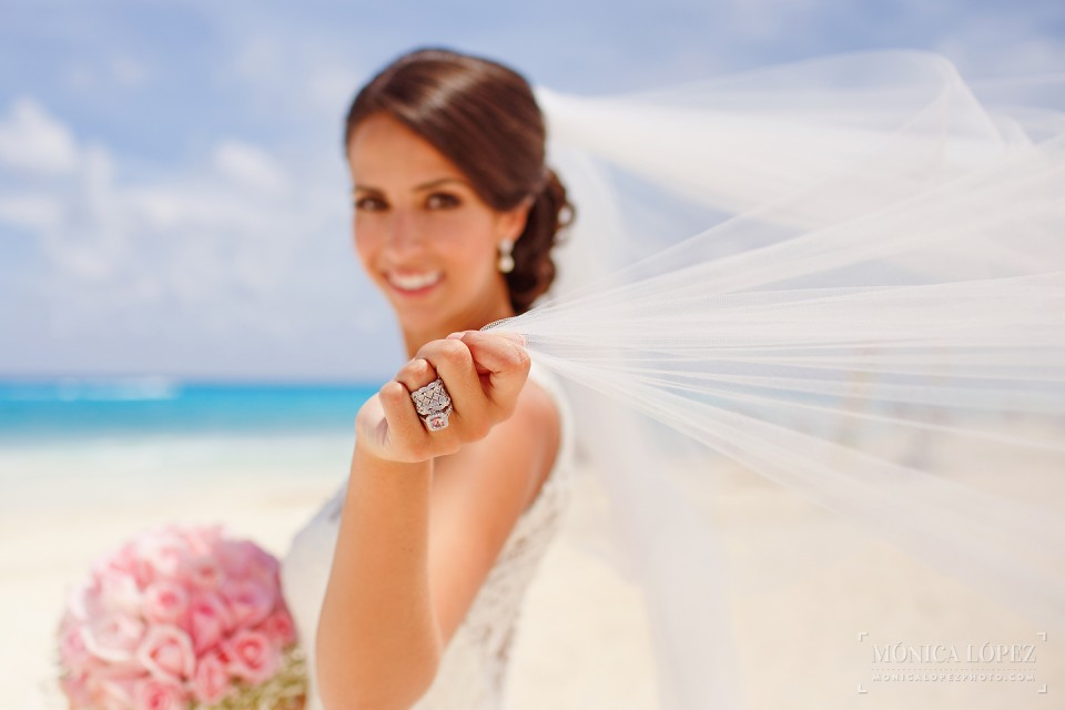 Destination Wedding in Cancun by Monica Lopez Photography